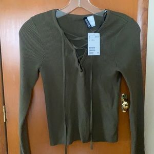 Women's H&M's Green Long Sleeve Shirt Size Small.